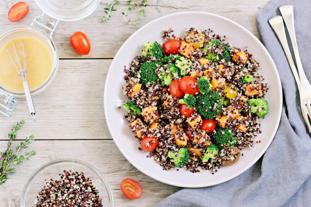 Quinoa met puree van zoete aardappel