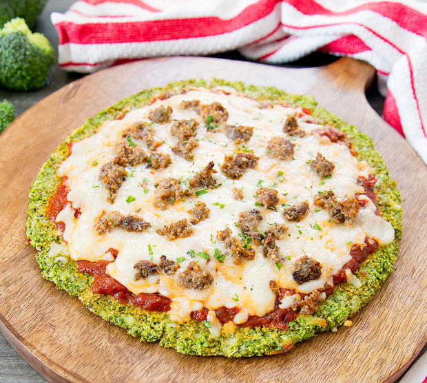 RECEPT Broccolipizza