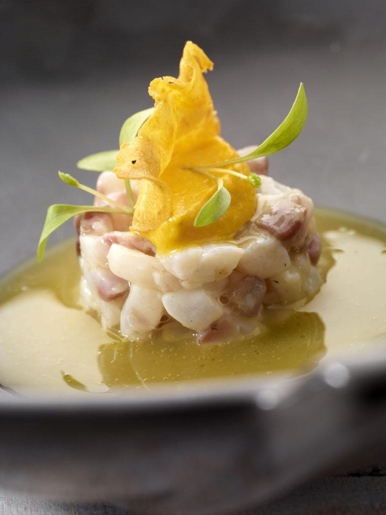Recept: Ceviche van zeebaars met passievruchten en puree van zoete aardappel