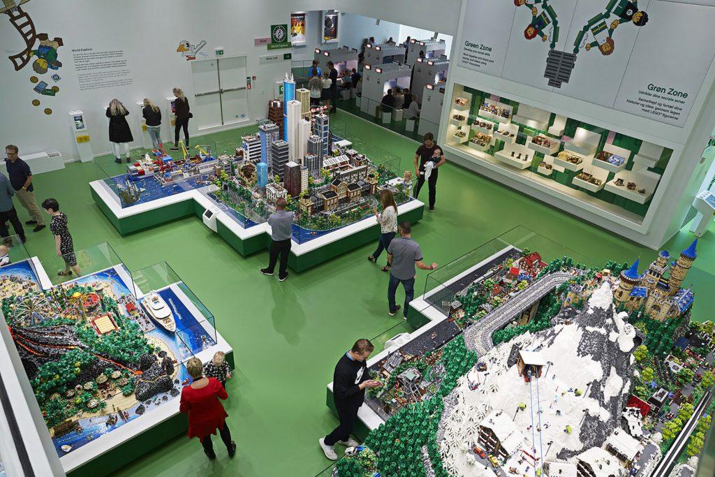 Het LEGO House in Billund, Denemarken