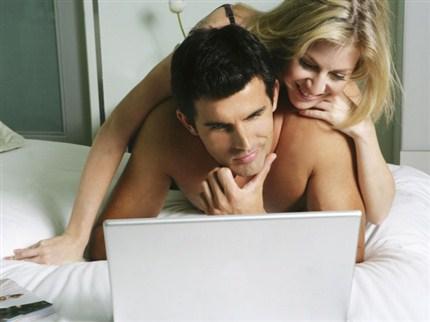 Samen naar porno kijken is goed voor je seksleven