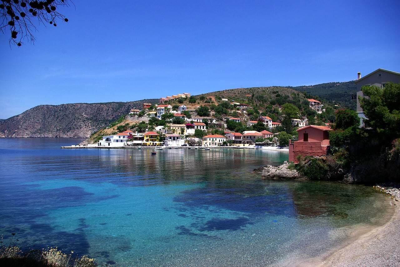 Een baai in het Griekse dorp Assos.