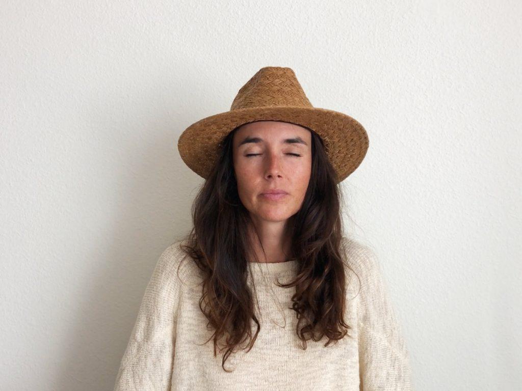 VIDEO Mentaal en fysiek gezond de lockdown door: zelfhypnose-ritueel voor het slapengaan