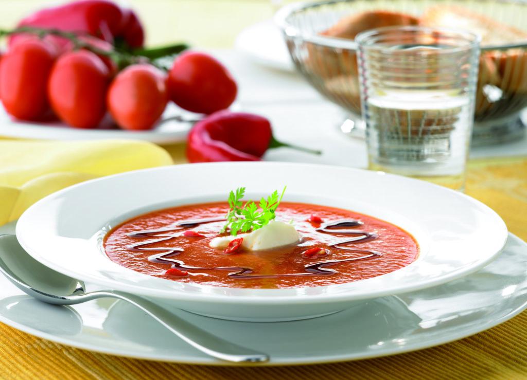 Spaanse paprika-tomatensoep