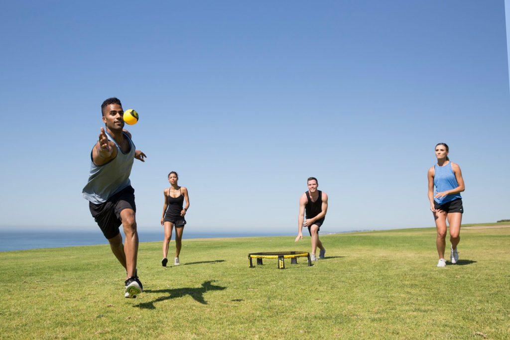 Is roundnet dé sporttrend voor deze zomer?!