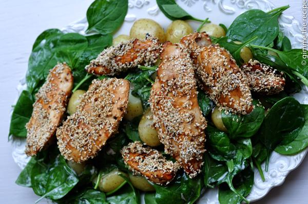 Spinazie met zoete aardappel en sesamkip