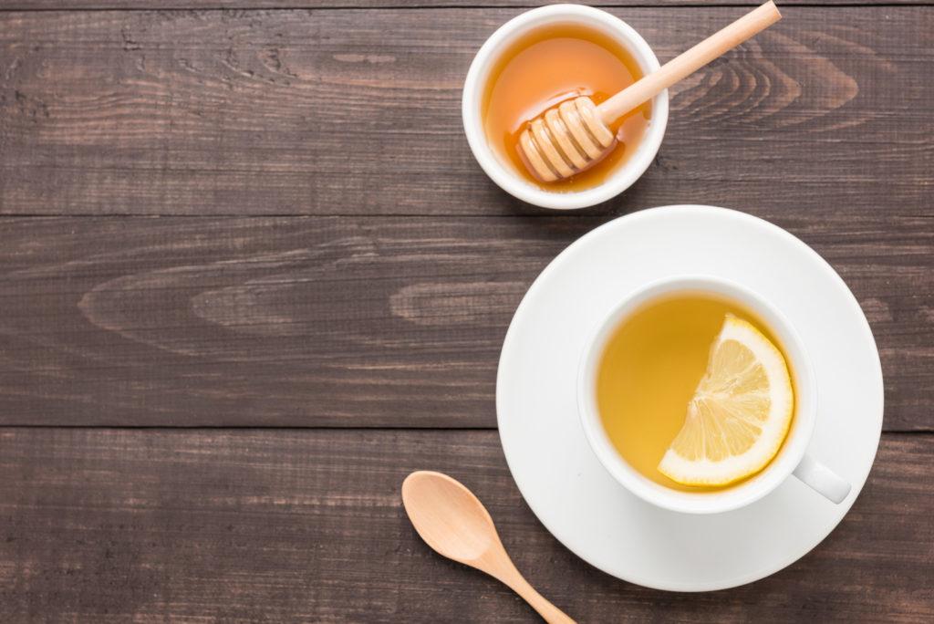 Thee met honing als gezonde zoetmaker