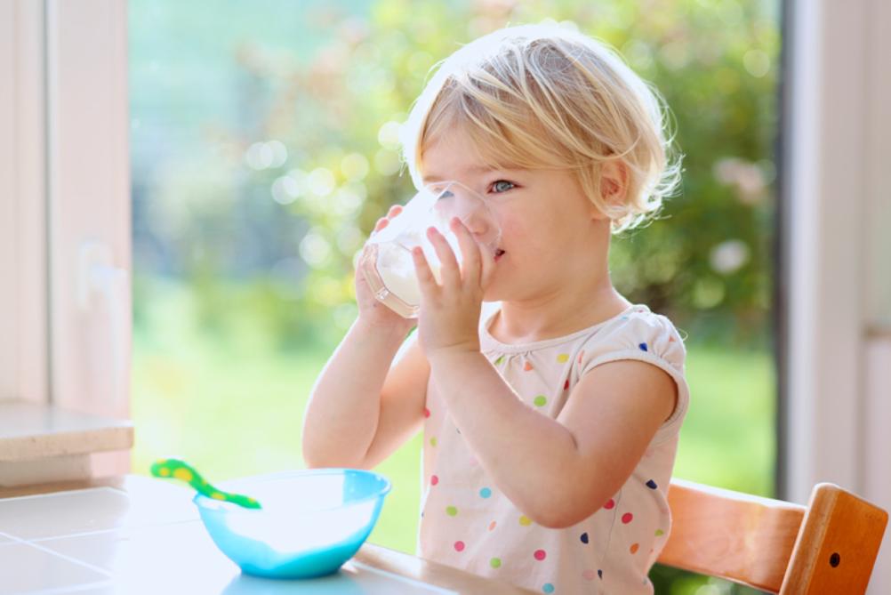 Vanaf wanneer drinkt je kindje groeimelk?