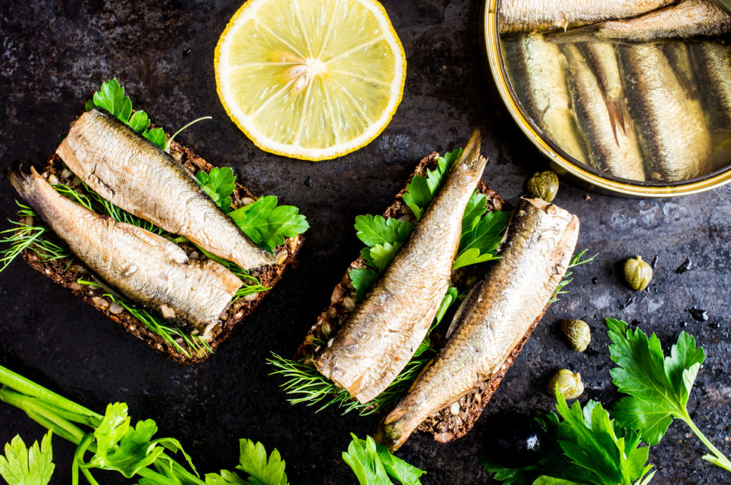 Verse vis & vis in blik kopen: op deze zaken moet je letten