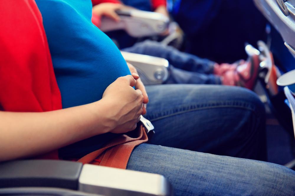 Is Vliegen Veilig als je Zwanger Bent?
