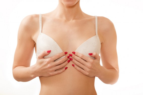 De voordelen van kleine borsten