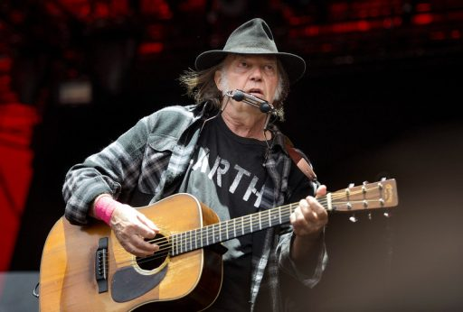 Campagne présidentielle: le chanteur Neil Young poursuit Donald Trump pour avoir utilisé ses chansons sans son accord