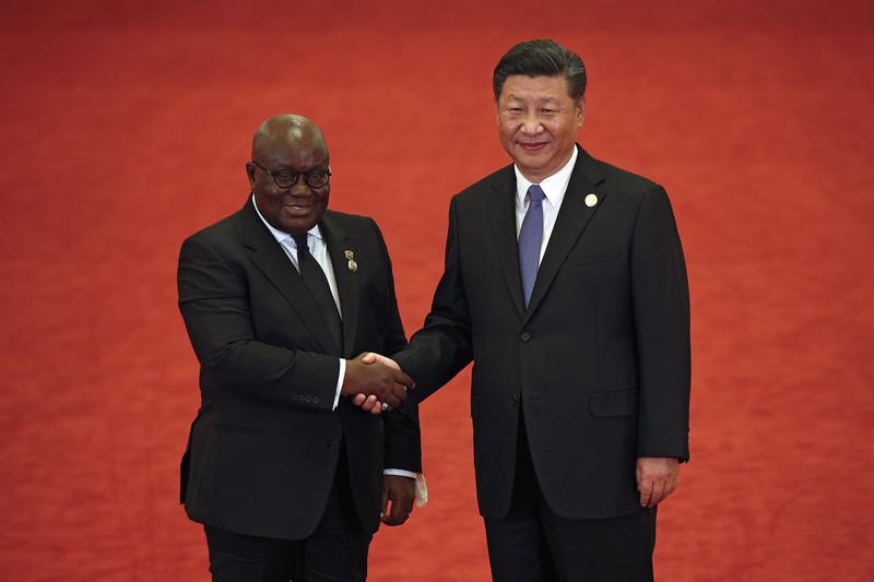 Le président du Ghana, Nana Akufo-Addo, en compagnie de son homologue chinois Xi Jinping