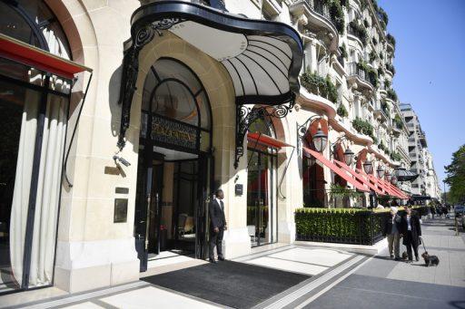 'Débourser 30.000 euros par nuit?' Le futur des palaces parisiens est compromis
