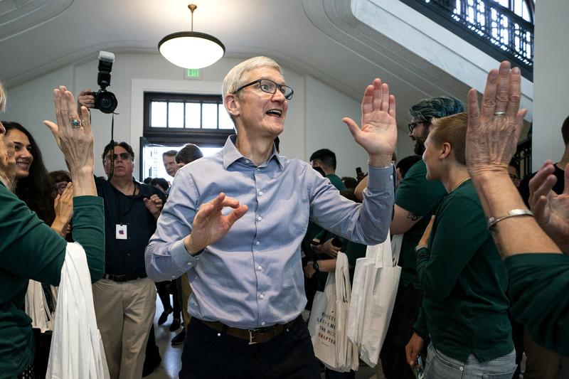 Tim Cook, CEO van Apple. - EPA-EFE/JIM LO SCALZO