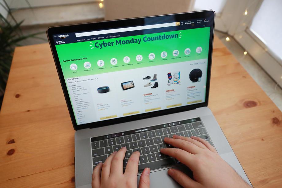 Adobe Analytics verwacht dat Cyber Monday, de maandag na Black Friday, de drukste dag ooit wordt voor webwinkels in de VS. - HAYOUNG JEON/EPA