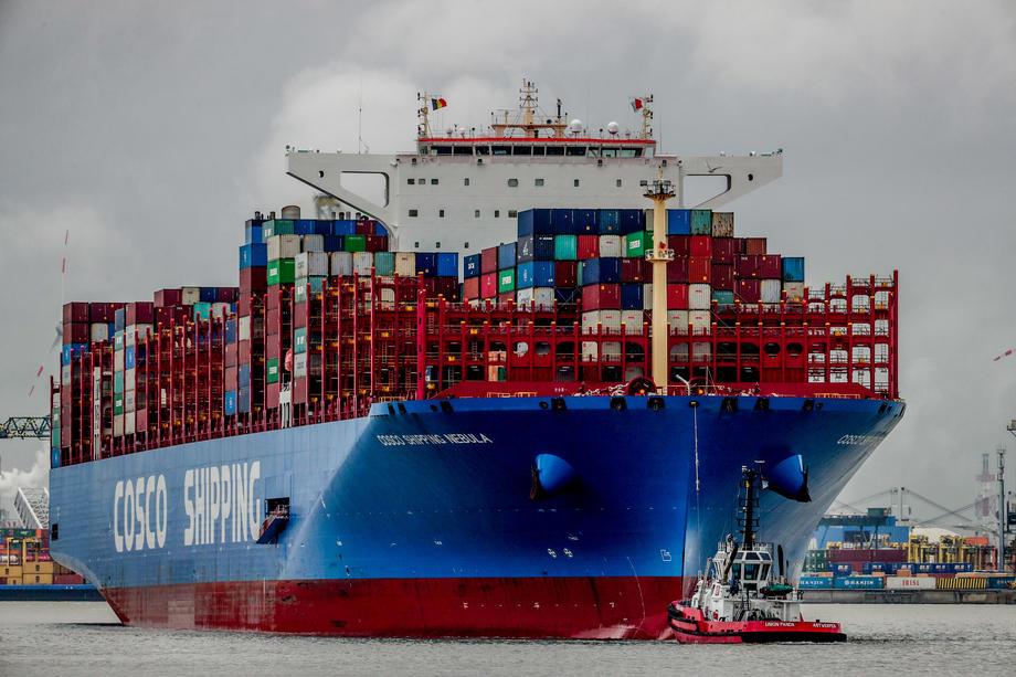 China heeft onder andere meer invloed gekregen in de containerterminal van Antwerpen. - EPA/STEPHANIE LECOCQ
