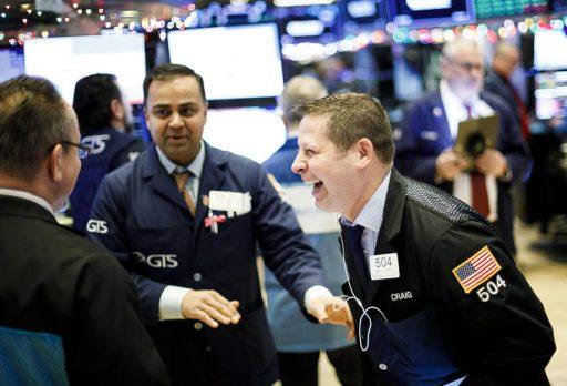 Als de aandelenmarkten stijgen wanneer de reële economie implodeert, wat doen ze dan eens die economie herstelt?