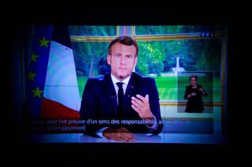 Macron: 'Frankrijk gaat opnieuw in lockdown, maar de economie mag niet stilvallen'