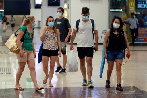 La Catalogne rend le port du masque obligatoire: le point en Europe et en Belgique