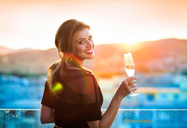 Waarom champagne drinken je geheugen verbetert