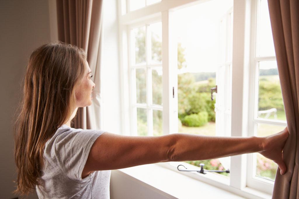 Waarom even je raam openzetten om te verluchten niet volstaat voor een gezonde woning