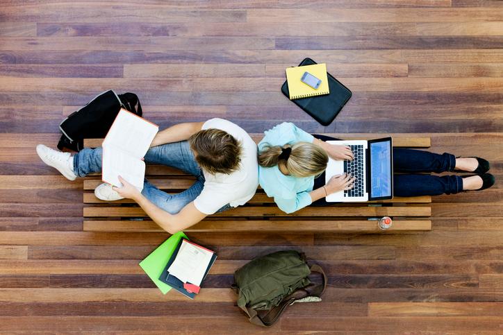 Waarom studeren beter is dan het echte leven