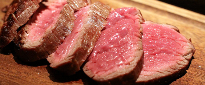 Waarom we niet zonder vlees kunnen?