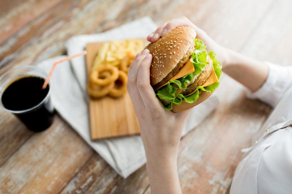 Waarom we zo verlangen naar calorierijke voeding