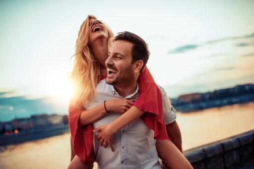 Wat is liefde? Wanneer is liefde echt en zit je relatie goed?