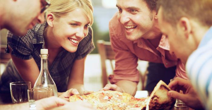 Weet jij wat een stuk pizza met je lichaam doet?