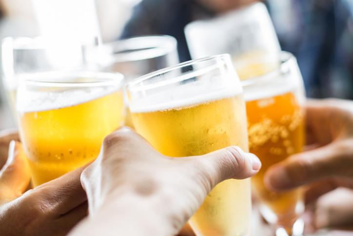 Welke alcoholische drankjes bevatten de minste calorieën?