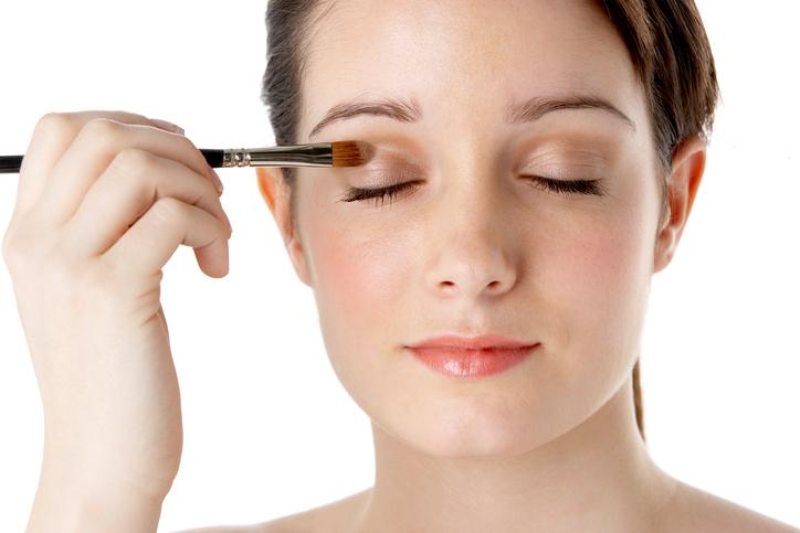 In welke volgorde moet je je make-up eigenlijk aanbrengen?
