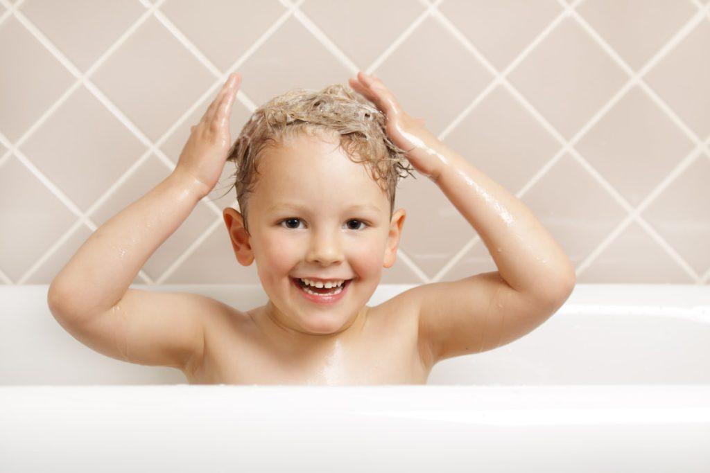 Zo dood je luizen en bescherm je jouw kind tegen (her)besmetting