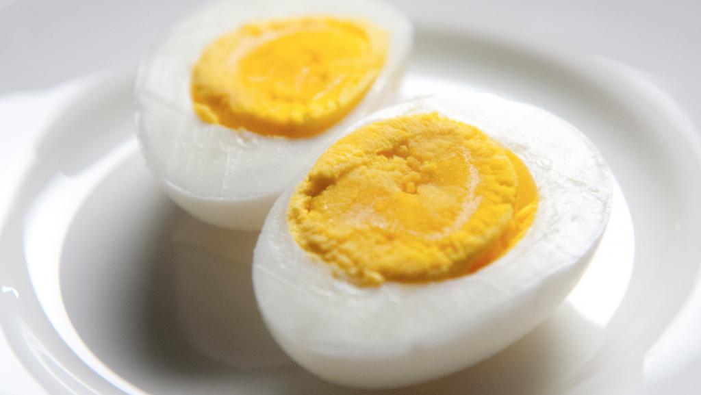 Zo kan je zien of een ei nog vers is of niet!