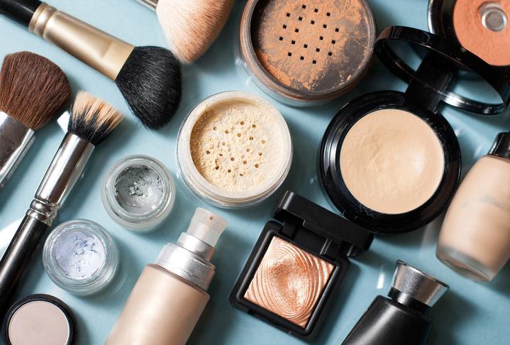 Zo lang kun je make-up bewaren