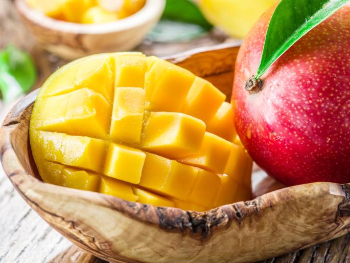 Zo weet je dat een mango rijp is